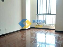 万润国际大办公 3500元 3室2厅2卫 普通装修采光好,随时就可以入住!