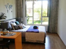 八达岭孔雀城,一居室精装修公寓,朝南户型,拎包入住,环境优美。